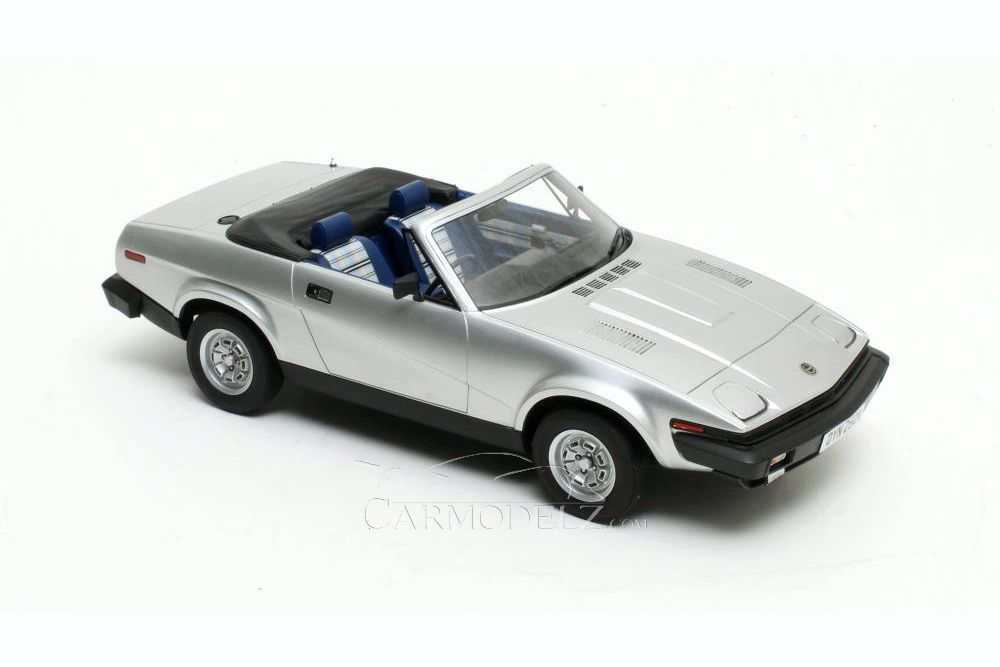 Triumph TR7 Convertible left hand drive 1.92 SCALE MODEL CAR BY PRIDE IN DETAILS