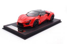 W Motors Fenyr Supersport 2018-1//43 Voiture IXO Supercars Edition Italienne S71